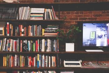 ארונות הזזה עם טלויזיה – שווים את המחיר?