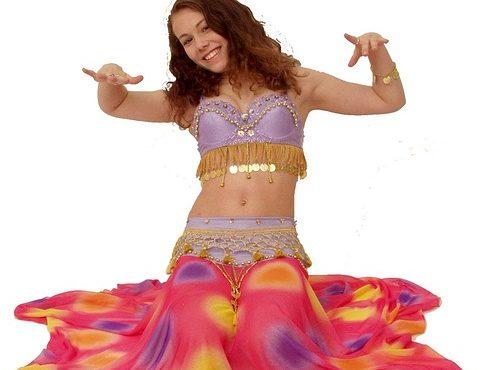 רקדנית בטן למסיבות