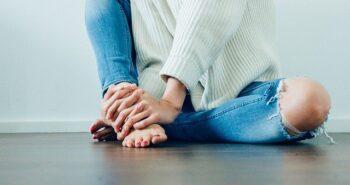 סובלים מכאבים בברך או בירך? ממה הם נובעים וכיצד טיפול בגלי הלם מסייעים בריפוי שלהם?
